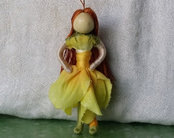 Miniature Fairy Doll, 2 inch mini Flower Fairy, Art Doll, 2 inch doll, Waldorf, Art Doll, Worry Doll