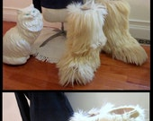SALE! vintage White Fur Yeti Apres Ski Boots by Open Country, Size 9. Made in Italy. Early 1980's winter boots. Size 39/40 (US 9). Fabulous!