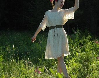 Plus Size... White Lace Dress... 1970s Dream Dress... White Winged Dove... Size XXL