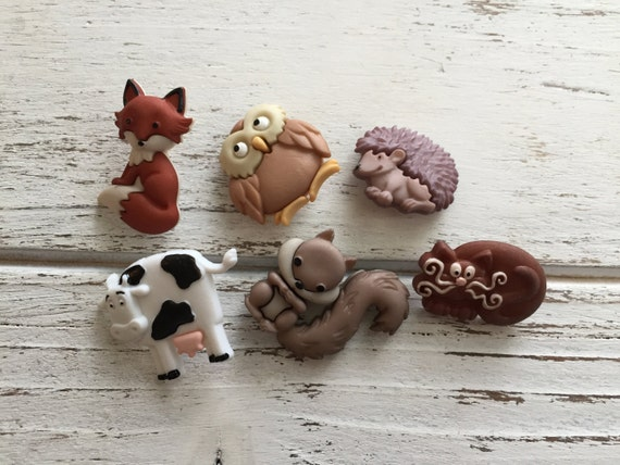 "Animal Buttons, ""Outdoor Friends"" Packaged Novelty Buttons by Dress It Up Jesse James Includes Cow Squirrel Owl Hedgehog Cat and Fox"