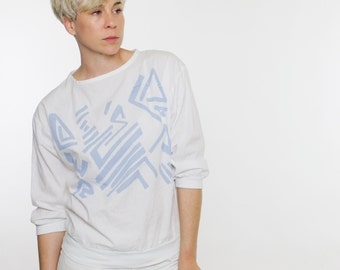 Vintage 80's lightweight pullover top, white with abstract blue geometric pattern - Small