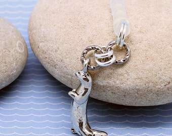 Otter Dust Plug - Woodland Mobile Plug, Cute Pewter Charm, Mini Chainmaille, iPhone Accessory