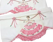 Vintage Southern Belle Hand Crochet & Hand Embroidered Pillowcases, Vintage Linens, Vintage Pillowcases, Vintage Needlework, Vintage Crochet