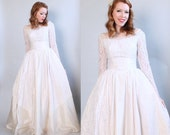 Vintage // Small // 1950's Lace Wedding Dress / White Formal Long Sleeve Bridal