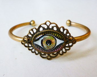 Third Eye Bracelet // Antiqued Brass Cuff Bracelet with Vintage Hologram Glass Eye Cameo, Evil Eye Witch Bohemian Occult Gypsy Boho Festival
