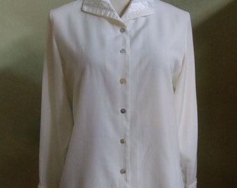 "Vintage 80's Susan Bristol Cream Long Sleeved Blouse Accented Ribbon and Lace Bust 39"" Waist 37"""