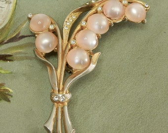 Pretty Pink Moonglow Cabochon Flower Sprig Brooch 1940s    NBX42