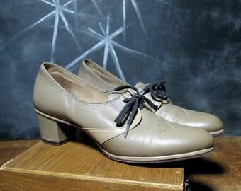 Vintage Leather 1940s Oxfords Pumps - Two Tone Lace Up Spectators  - Rare 40s WW2 Era Women's Shoes - Size 7 1/2 Euro 38