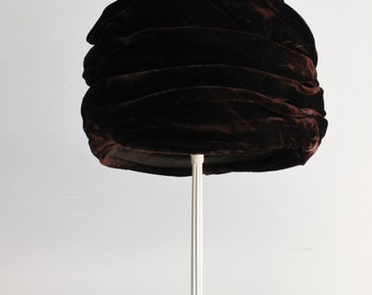 Vintage 1960s Brown Velvet Turban Hat / 60s Lucila Mendez / Millinery / Mid Century / Exclusive New York