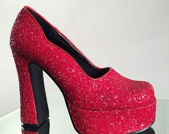 90's Red Glitter Theres No Place Like Home Platform High Heel Pumps // 8.5 - 9