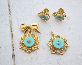 1950s Brooch, Pendant, and Screw Back Earrings Set