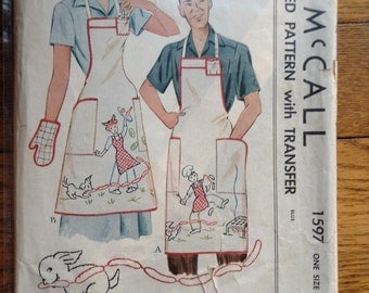 McCall 1597 Aprons, Hats and Mitts with Transfer Vintage Sewing Pattern One Size