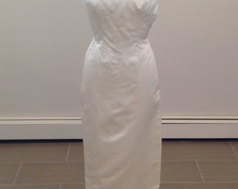 A truly elegant dress by Carmela Sutera size 2