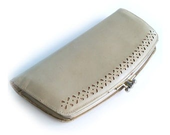 Vintage Clutch Purse Wallet. 1960s. 1950s. Baronet Fifth Avenue. Gold and Gray. Womens Wallet. Double Kisslock Clutch. Paisley. Hipster.