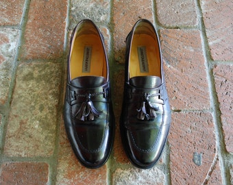 Vintage Mens 9 Johnston and Murphy Slip On Tassel Loafers Wedding Dress Shoes Oxfords Round Toe Classy Prepy Hipster Black Leather Moto Mod