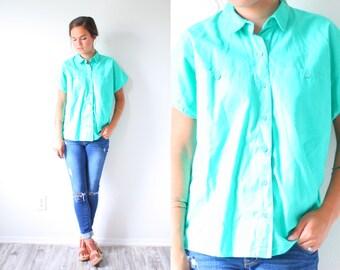 Vintage green/mint blouse // short sleeve summer top // green shirt // blouse/shirt // v-neck slouchy shirt // collared shirt // 90's top