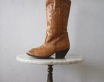 Cowboy Boots - Women's 6 6.5 - Leather Golden Brown - 1970s Vintage