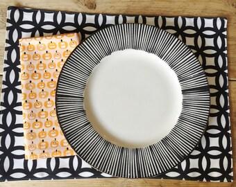 Napkins - Orange Pumpkins - Halloween decor - set of 4 reversible napkins