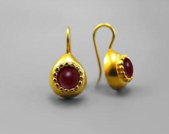 Red gold drop earrings, Garnet Earrings, Teardrop Earrings, Red Gemstone Earrings, Antique Style Earring, January birthstone, Garnet Jewelry