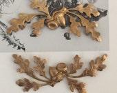 Victorian Favorite Acorn Sprig  (1 pc)