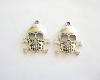 Skull and Cross Bone Charms, Skull Charms, Poison Charms, Halloween Charms, Pewter Skull and Cross Bones