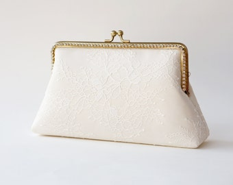 Chantilly Lace Clutch / Ivory Purse/ Vintage Inspired / Wedding Bag / Bridal Clutch / Bridesmaid Clutch