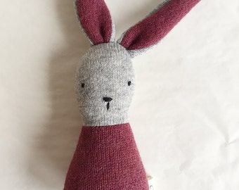 lapin-hochet de laine - bunny rattle upcycled wool - one of a kind - eco friendly natural toy