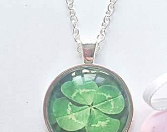 Irish Emblem- St Patricks Necklace - Shamrock Necklace - Four Leaf Clover - St Patricks Jewellery - Good Luck Jewelry - Shamrock Jewellery -