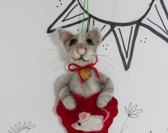 Needle felted brown tan kitty cat kitten ornament in wool heart with mouse, ready to ship, Pet Pocket by Curly Furr, brown cat ornament