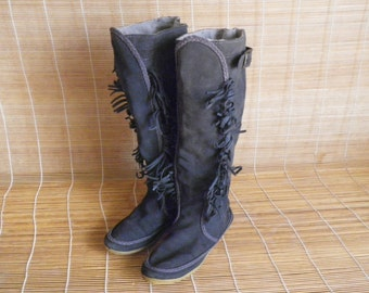 Vintage Grey Suede Winter Flat Boots Size EUR 37 US Woman 6 1/2