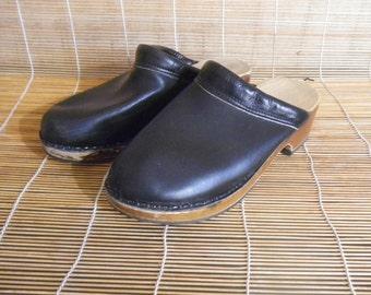 Vintage Men's Black Leather Wooden Sole Clogs Made In Sweden - Size 42 Euro / US Men 9