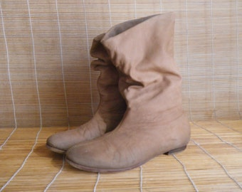 Vintage Lady's Tan Beige Brown Leather Slouch Boots Size: EUR 40 - 41 / US Woman 9 - 9 1/2