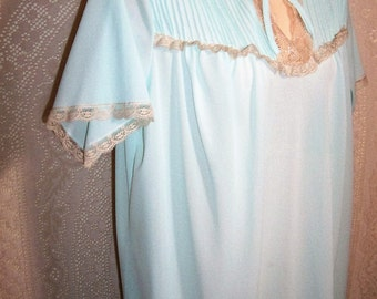Size Large -  Vintage Nightglown From Dixie Belle - Nightie - Aqua -  Nylon - Ecru Lace - Knee Length