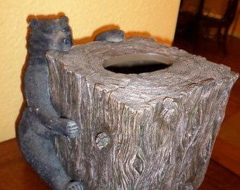 Tissue Box/BLACK BEAR/TREE Stump/Square/Vintage/Hunters Lodge