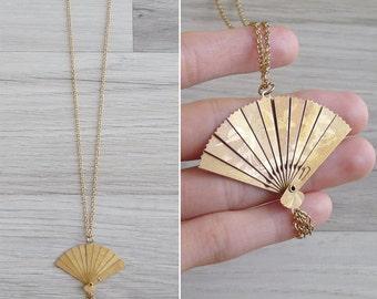 Vintage 80's Oriental Folding Fan & Tassel Gold Necklace