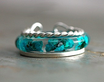 3 stacking rings. Real flower & Sterling. Turquoise blossoms in resin + 1 plain + 1 twisted rope sterling ring. Set of three.