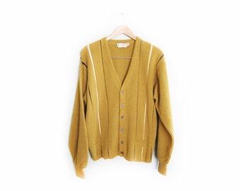 vintage cardigan / grandpa cardigan / oversize / grunge / 1960s mustard striped cardigan Large