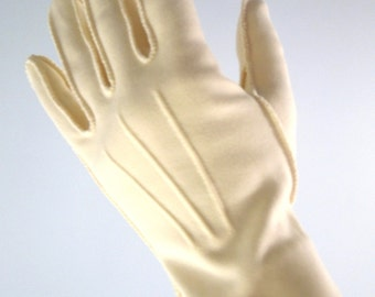 50s/60s Vanilla Cotton and Nylon Gloves Size 7 Vegan Gloves in Cream