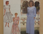 Misses and Miss Petite Two Piece Dress Simplicity 90s Sewing Pattern 7163 Size 14-22 Uncut