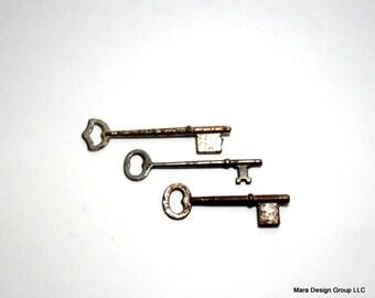 skeleton keys - vintage keys, steampunk/assemblage jewelry, set of 3