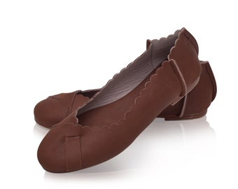 SALE. Sz. 7. FLORES. leather flats / brown leather shoes / women shoes / flat shoes / flat leather shoes / rustic leather ballet flats