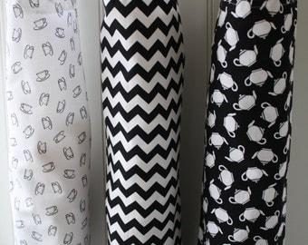 ONE Bag of Your Choice: Black and White Tea Prints Plastic Bag Dispenser, Kitchen Decor, Housewares, Cottage Chic Kitchen