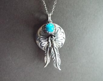 Southwestern  Boho Navajo turquoise conch feather pendant necklace