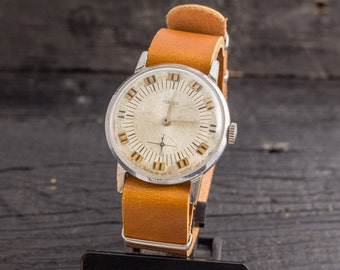 Vintage Pobeda mens watch, vintage mens watch, vintage russian watch, soviet mechanical watch, ussr cccp