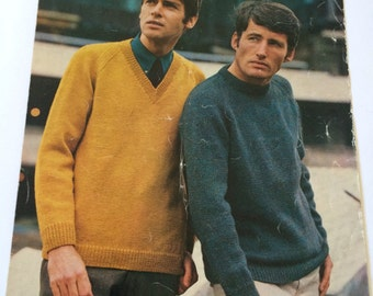 Wendy 726 vintage knitting pattern man's sweater v neck round neck jumper 1960s