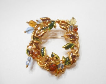 Vintage KC (Kenneth Cole) Wreath Brooch (8718)