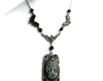 Skull Cameo Necklace, Day of the Dead Jewellery, Calavera Necklace, Gothic Cameo Necklace, Goth Girl Jewellery, Alternative Fashion