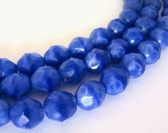8mm Faceted Round Opaque Blue Czech Beads Blue Coral  20pcs