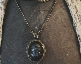 Victorian Mourning Cameo Brooch/Necklace Steampunk Antique