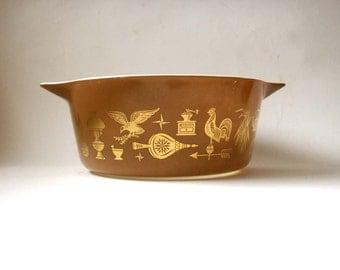 vintage pyrex dish, casserole dish, 2 1/2 QT, americana pattern, americana pyrex, vintage pyrex, gold americana pattern